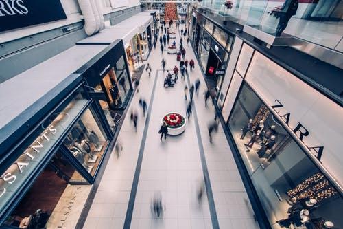 Locales en un centro comercial